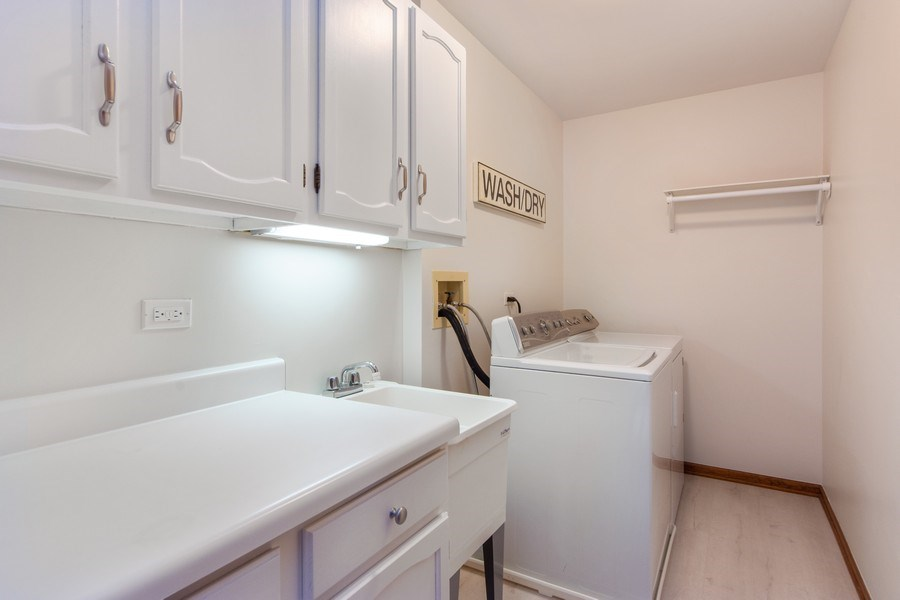 Real Estate Photography - 4017 Mitchell Drive, Arlington Heights, IL, 60004 - Laundry Room