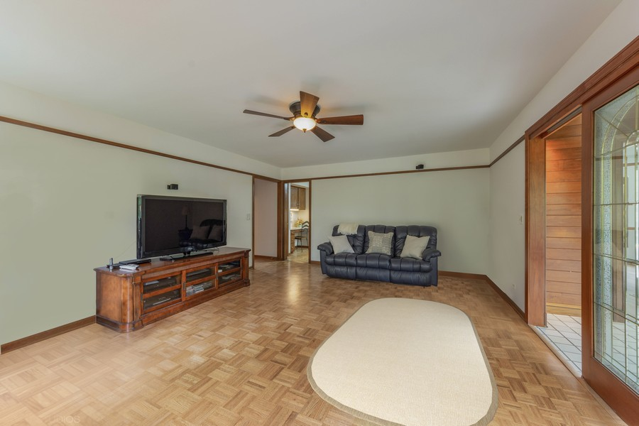 Real Estate Photography - 4017 Mitchell Drive, Arlington Heights, IL, 60004 -