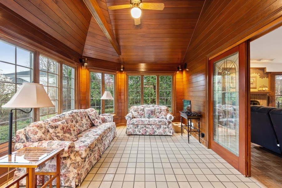 Real Estate Photography - 4017 Mitchell Drive, Arlington Heights, IL, 60004 - Sun Room