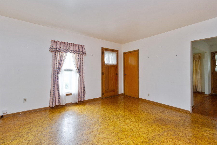 Real Estate Photography - 117 N. White Street, Frankfort, IL, 60423 - Living Room
