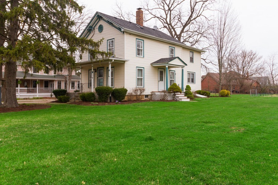 Real Estate Photography - 117 N. White Street, Frankfort, IL, 60423 - Side View