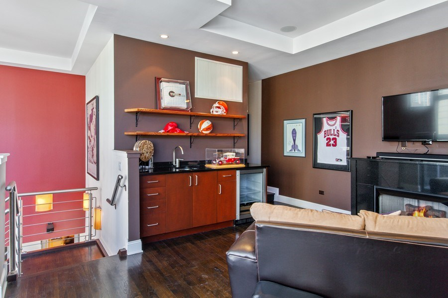 Real Estate Photography - 101 W. Superior Street, Unit 1204, Chicago, IL, 60611 - Family Room