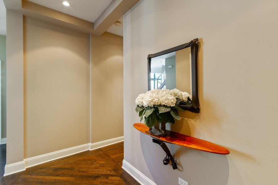 Real Estate Photography - 101 W. Superior Street, Unit 1204, Chicago, IL, 60611 - Entrance Foyer