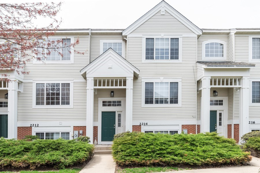 Real Estate Photography - 2214 Daybreak Drive, Aurora, IL, 60503 - Front View