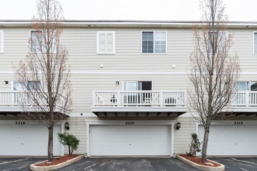 Real Estate Photography - 2214 Daybreak Drive, Aurora, IL, 60503 - Rear View