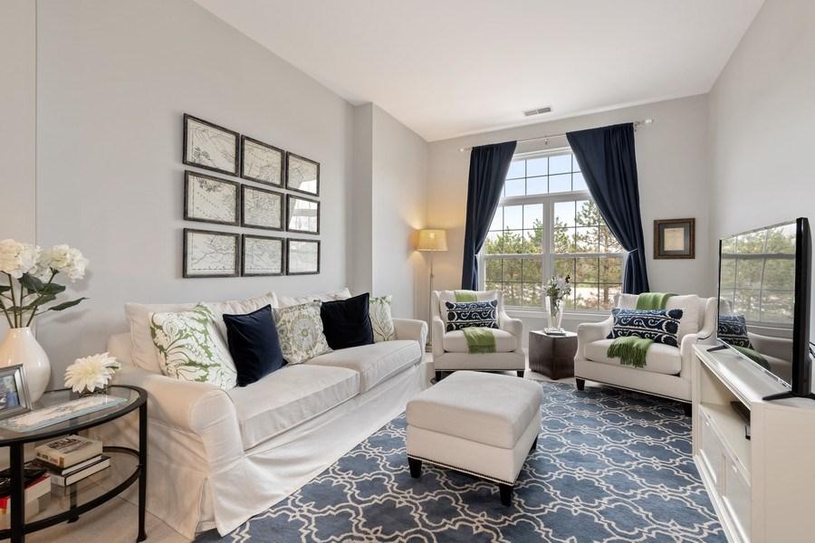 Real Estate Photography - 2477 Wilton Lane, Unit 2477, Aurora, IL, 60502 - Living Room