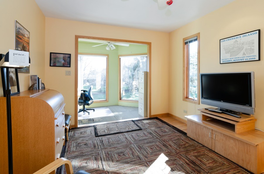 Real Estate Photography - 18N579 Field Ct, Dundee, IL, 60118 - 3rd Bedroom