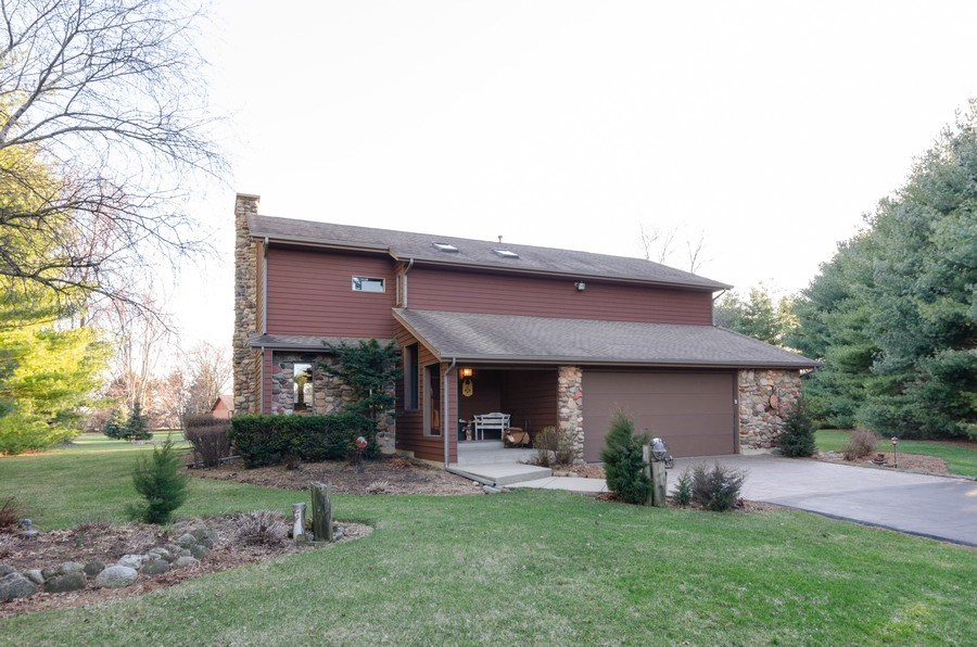Real Estate Photography - 18N579 Field Ct, Dundee, IL, 60118 - Front View