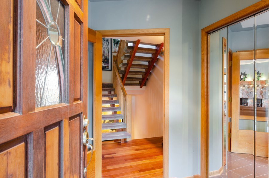 Real Estate Photography - 18N579 Field Ct, Dundee, IL, 60118 - Foyer