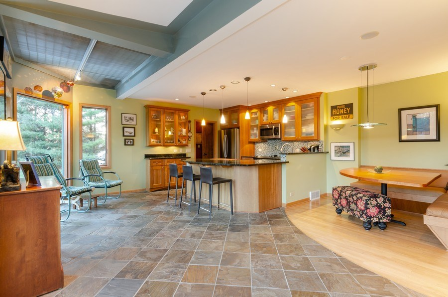 Real Estate Photography - 18N579 Field Ct, Dundee, IL, 60118 - Kitchen