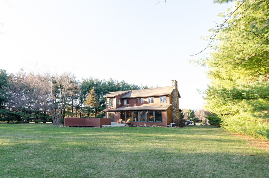 Real Estate Photography - 18N579 Field Ct, Dundee, IL, 60118 - Rear View