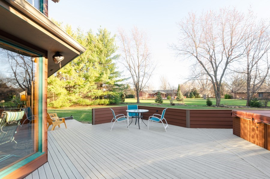Real Estate Photography - 18N579 Field Ct, Dundee, IL, 60118 - Deck