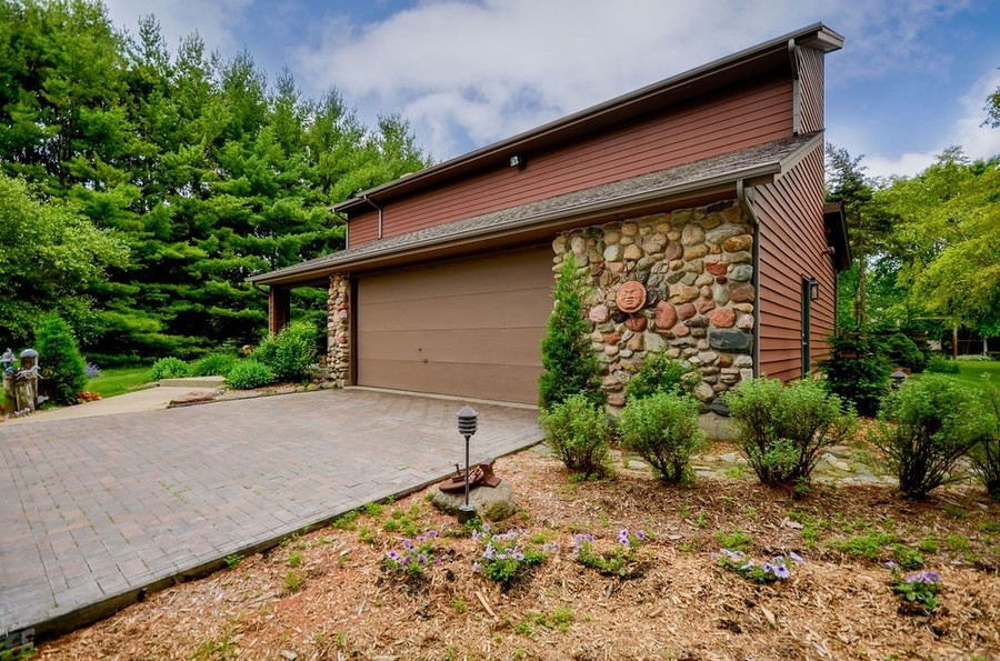 Real Estate Photography - 18N579 Field Ct, Dundee, IL, 60118 -