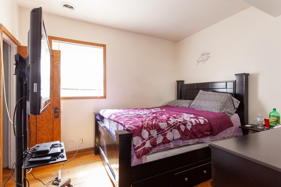 Real Estate Photography - 1309 Ridgeland Ave, Berwyn, IL, 60402 - Bedroom