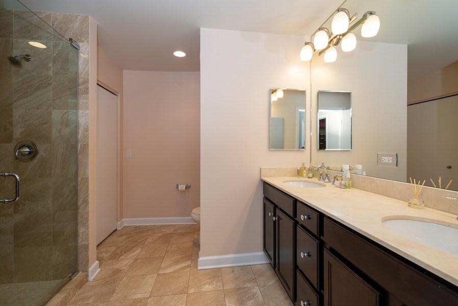 Real Estate Photography - 1901 S. Calumet Avenue, Unit 1407, Chicago, IL, 60616 - Master Bathroom