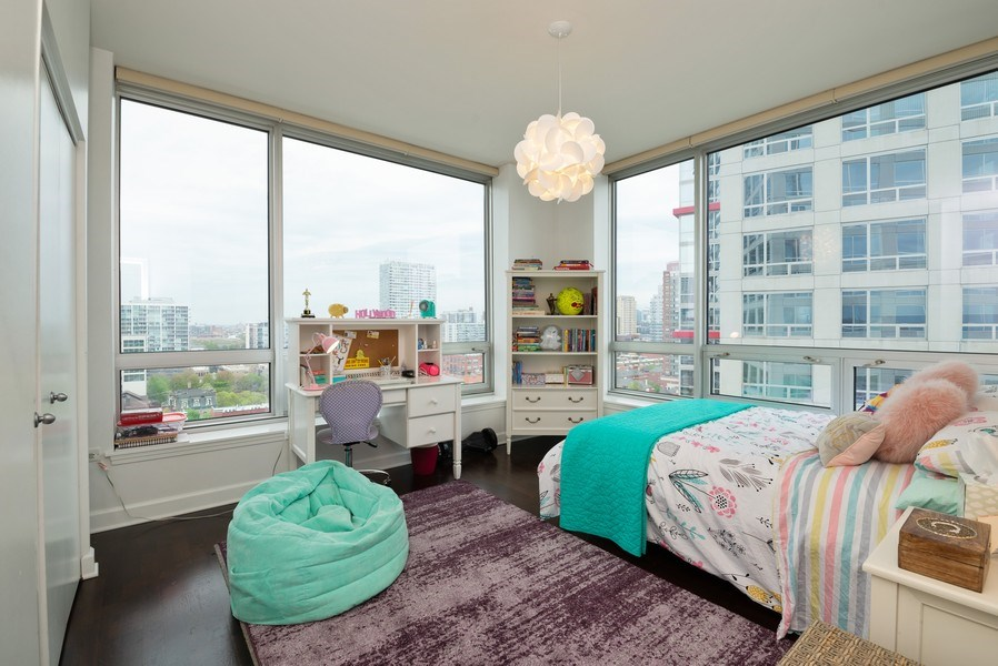 Real Estate Photography - 1901 S. Calumet Avenue, Unit 1407, Chicago, IL, 60616 - 2nd Bedroom