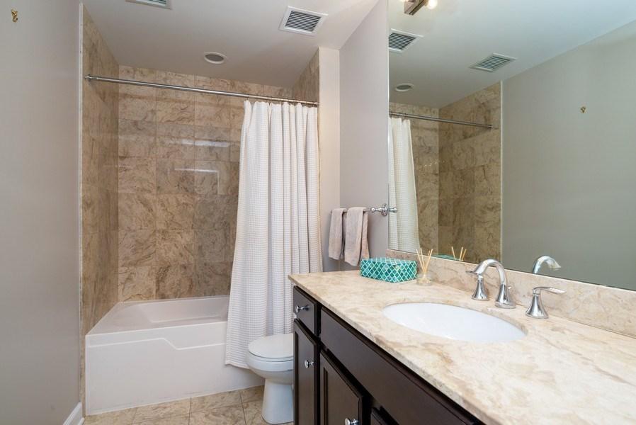 Real Estate Photography - 1901 S. Calumet Avenue, Unit 1407, Chicago, IL, 60616 - 2nd Bathroom