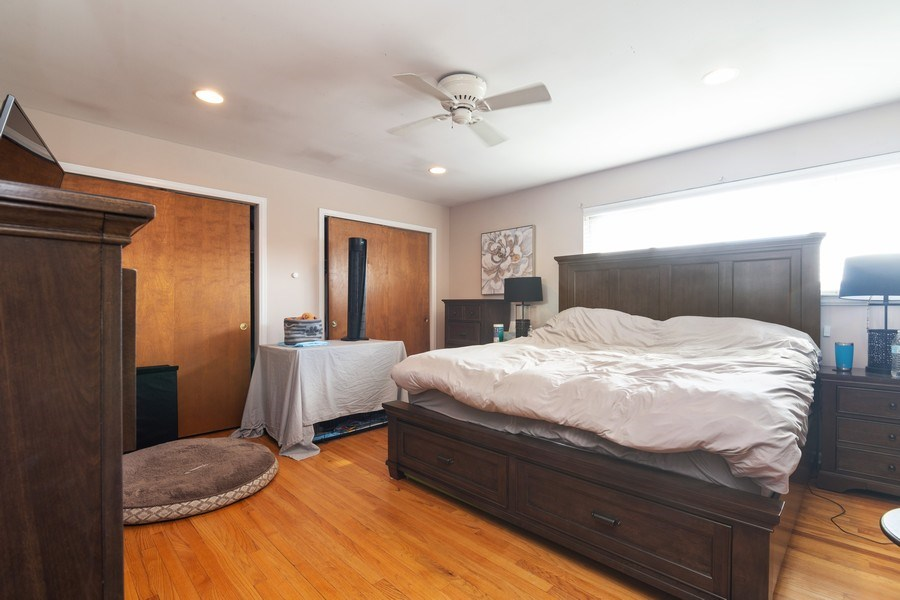 Real Estate Photography - 2008 MAPLE Avenue, Unit -, Northbrook, IL, 60062 - Master Bedroom