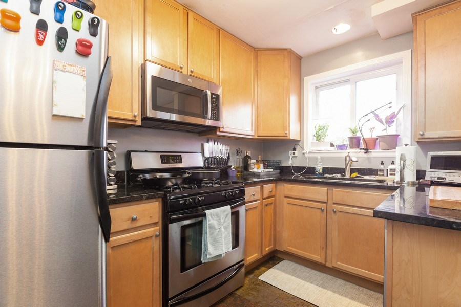 Real Estate Photography - 2008 MAPLE Avenue, Unit -, Northbrook, IL, 60062 - Kitchen
