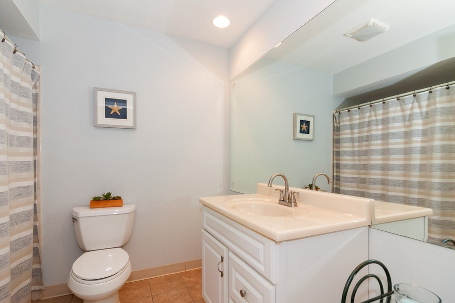 Real Estate Photography - 10S225 Kaye Ln, Willowbrook, IL, 60527 - 2nd Bathroom