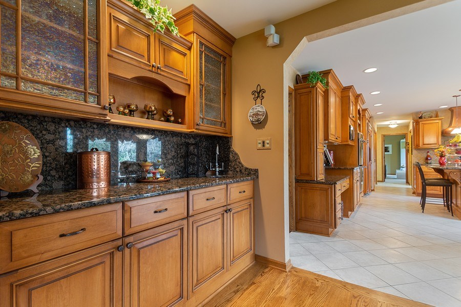 Real Estate Photography - 108 Andover Drive, Prospect Heights, IL, 60070 - Wet Bar in Family Room