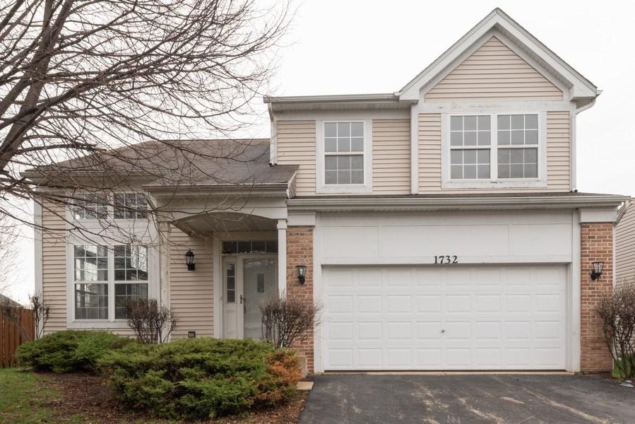 Real Estate Photography - 1732 Ellington Drive, Aurora, IL, 60503 - Front View
