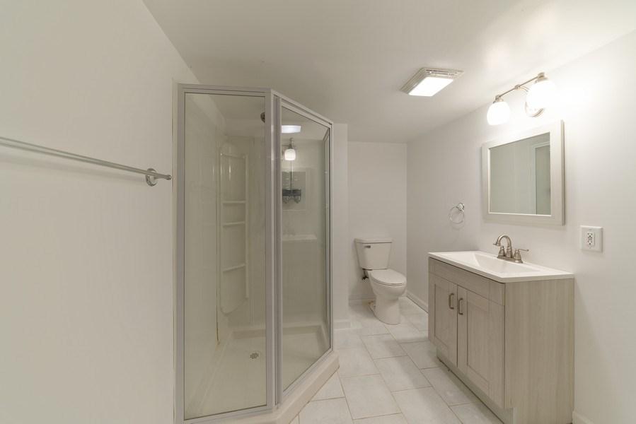 Real Estate Photography - 1732 Ellington Drive, Aurora, IL, 60503 - 2nd Bathroom