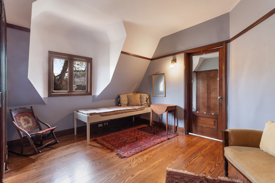 Real Estate Photography - 1019 Chicago Ave, Oak Park, IL, 60302 - 2nd Bedroom