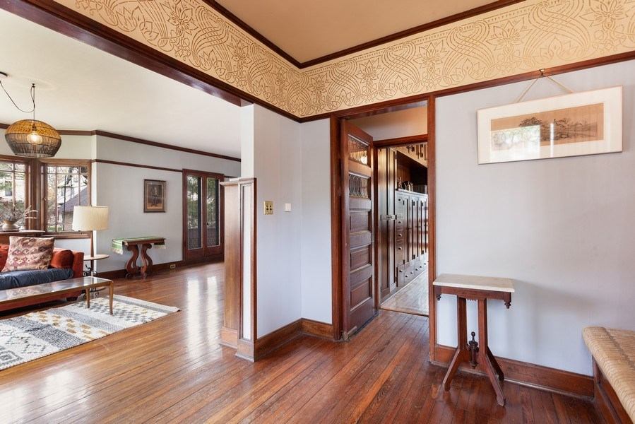 Real Estate Photography - 1019 Chicago Ave, Oak Park, IL, 60302 - Foyer
