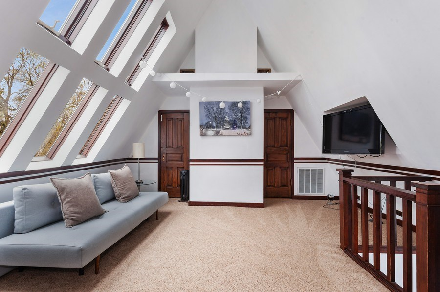 Real Estate Photography - 1019 Chicago Ave, Oak Park, IL, 60302 - 3rd Floor Family Room