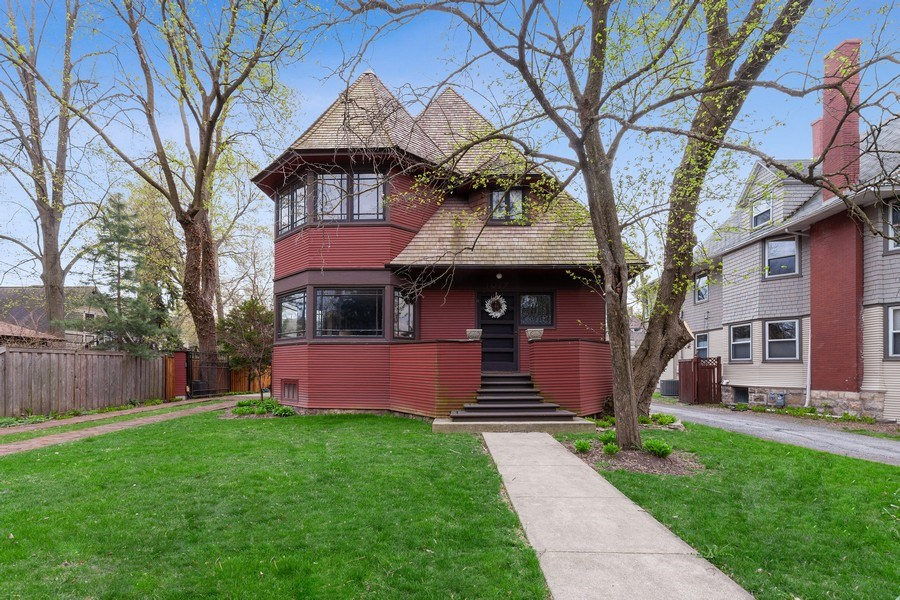 Real Estate Photography - 1019 Chicago Ave, Oak Park, IL, 60302 - Front View