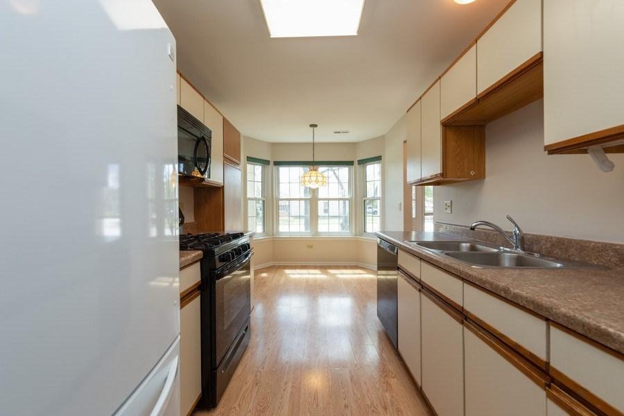 Real Estate Photography - 4065 N. Newport Lane, Arlington Heights, IL, 60004 - Kitchen / Breakfast Room