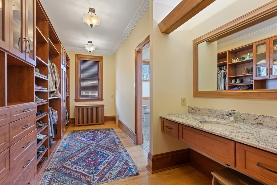Real Estate Photography - 4950 S. WOODLAWN Avenue, Chicago, IL, 60615 - Master Bedroom Closet