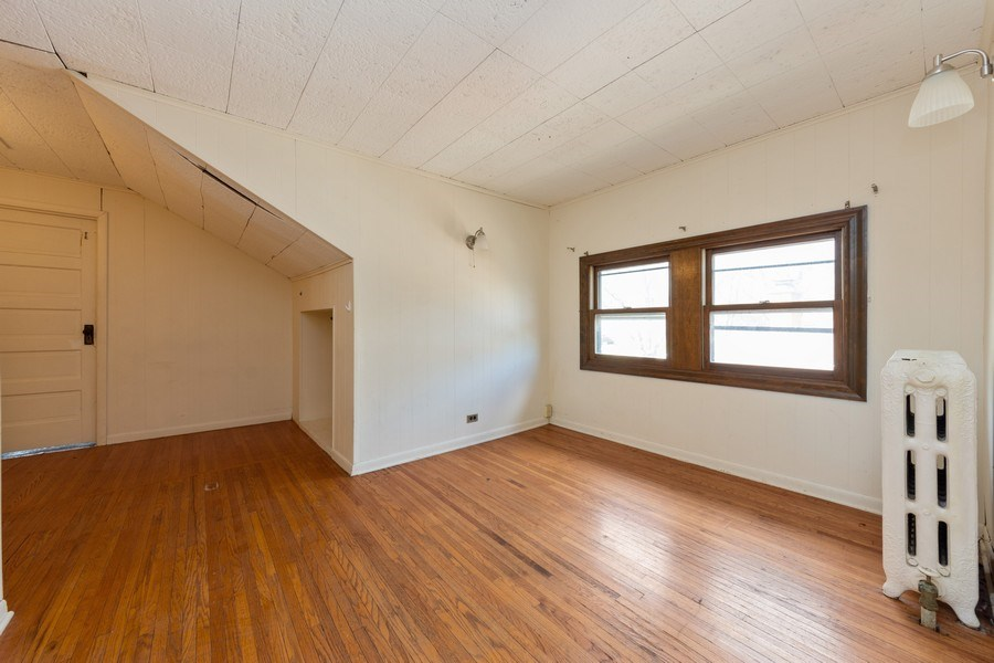 Real Estate Photography - 837 N. Pine Avenue, Arlington Heights, IL, 60004 - 2nd Bedroom