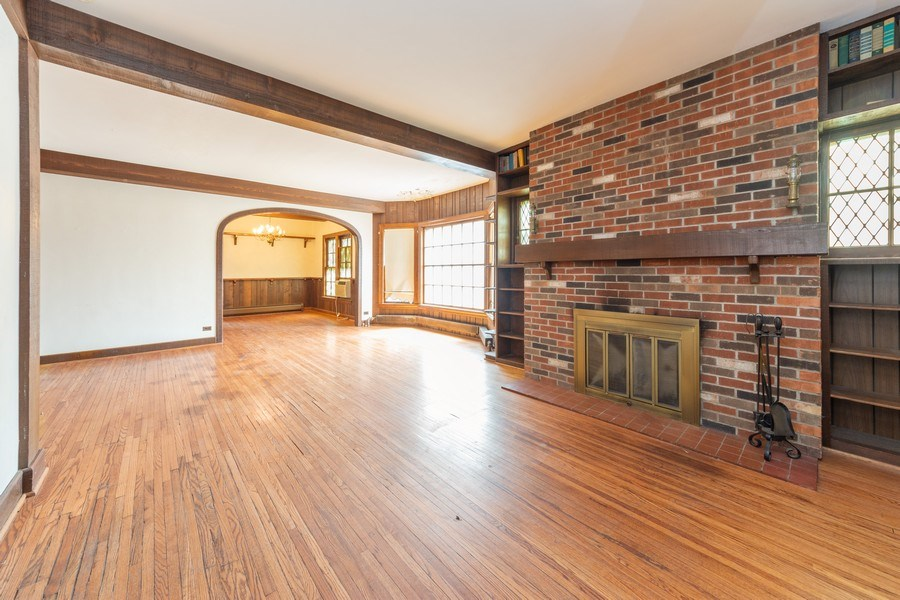 Real Estate Photography - 837 N. Pine Avenue, Arlington Heights, IL, 60004 - Living Room / Dining Room