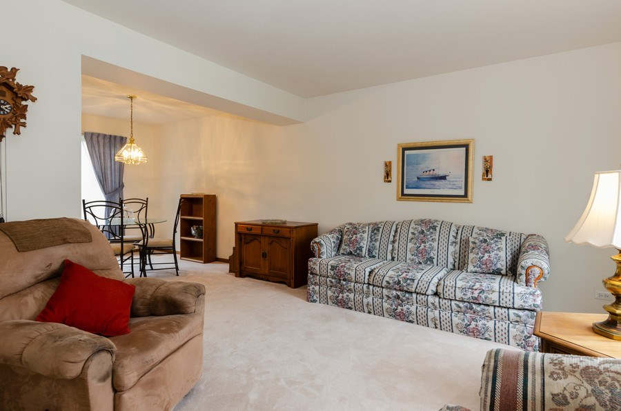 Real Estate Photography - 1139 SAWMILL Lane, Algonquin, IL, 60102 - Living Room