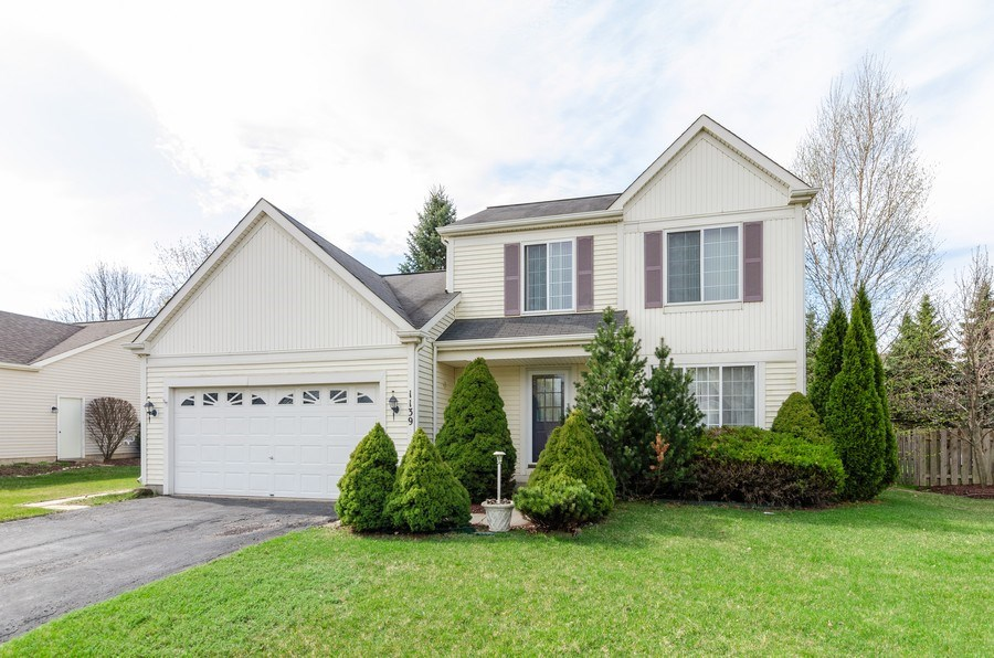 Real Estate Photography - 1139 SAWMILL Lane, Algonquin, IL, 60102 - Front View