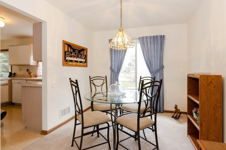 Real Estate Photography - 1139 SAWMILL Lane, Algonquin, IL, 60102 - Dining Room