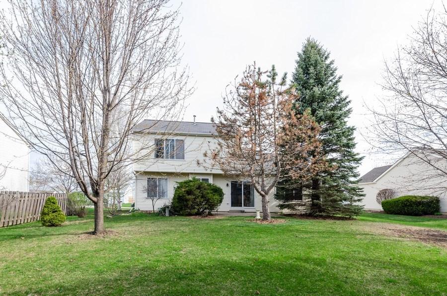 Real Estate Photography - 1139 SAWMILL Lane, Algonquin, IL, 60102 - Rear View