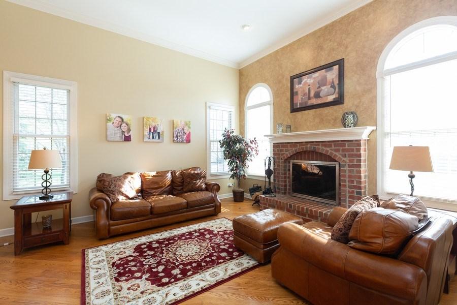 Real Estate Photography - 6208 BRIGHTON Lane, Lakewood, IL, 60014 - Living Room