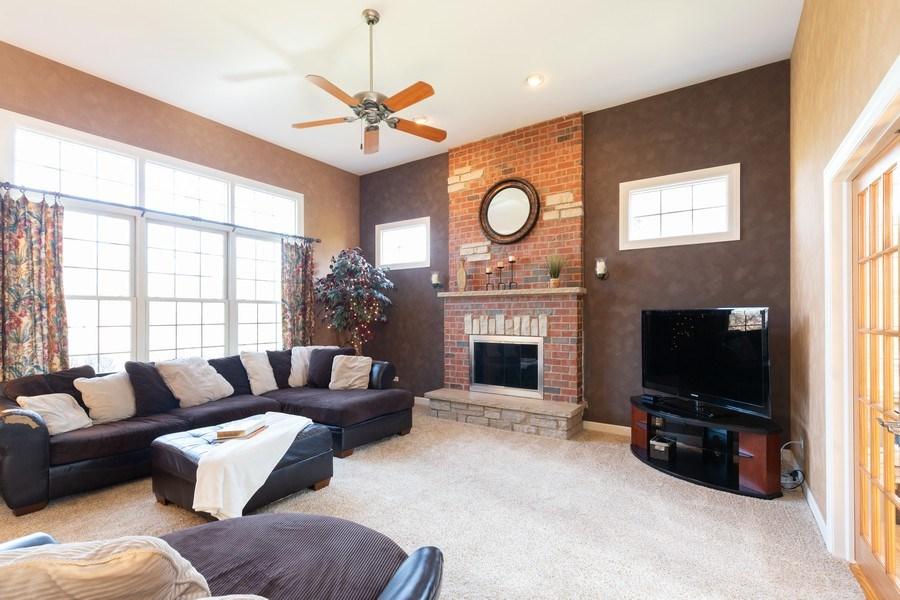Real Estate Photography - 6208 BRIGHTON Lane, Lakewood, IL, 60014 - Family Room