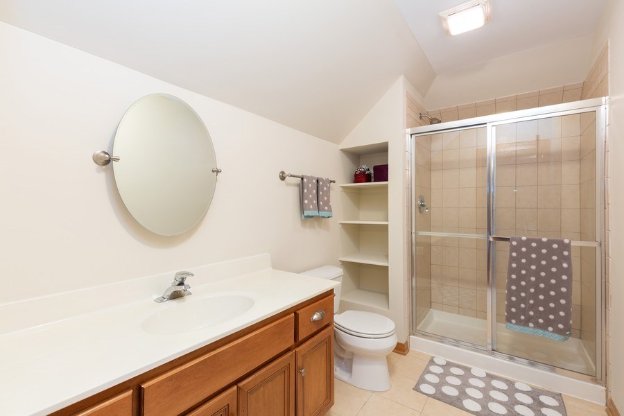 Real Estate Photography - 6208 BRIGHTON Lane, Lakewood, IL, 60014 - Bathroom