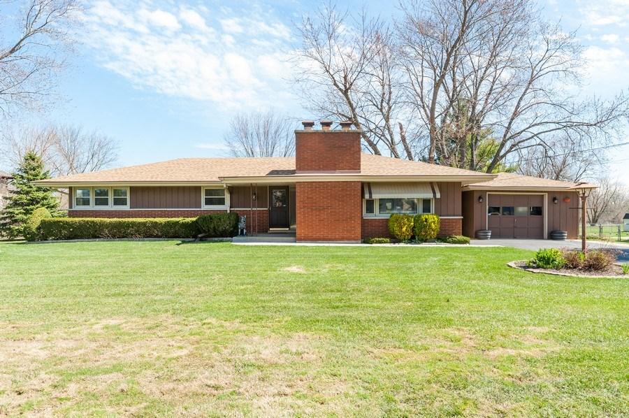 Real Estate Photography - 39351 N. Carol Lane, Beach Park, IL, 60099 - 39351 N. Carol Lane, Beach Park, IL  60099