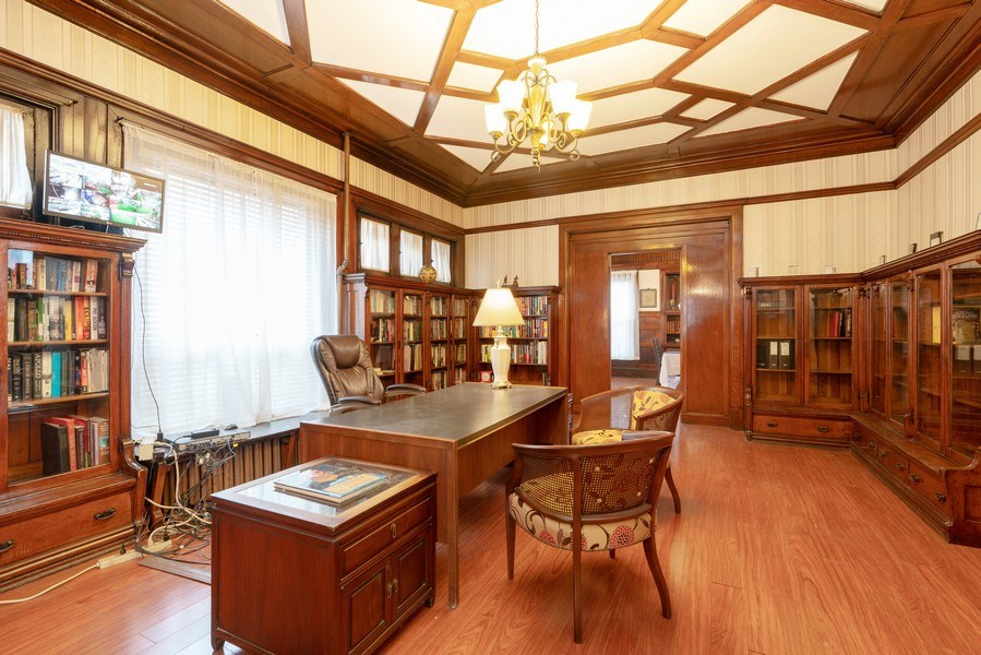 Real Estate Photography - 3601 S. Michigan Avenue, Chicago, IL, 60653 - Family Room