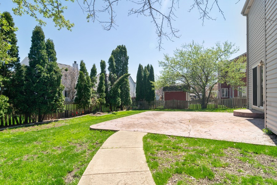 Real Estate Photography - 219 Faircroft Road, Bartlett, IL, 60103 - Back Yard
