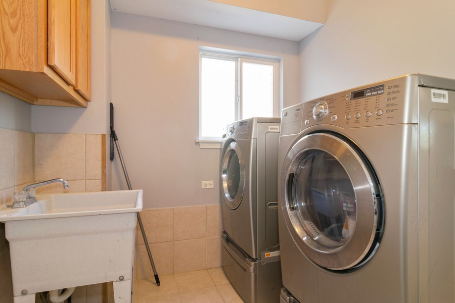 Real Estate Photography - 219 Faircroft Road, Bartlett, IL, 60103 - Laundry Room