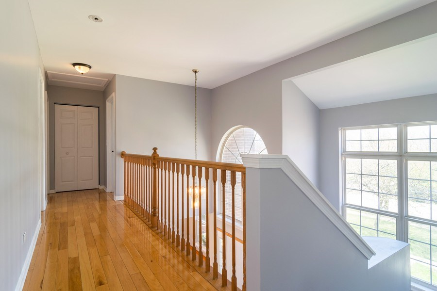 Real Estate Photography - 219 Faircroft Road, Bartlett, IL, 60103 - Hallway