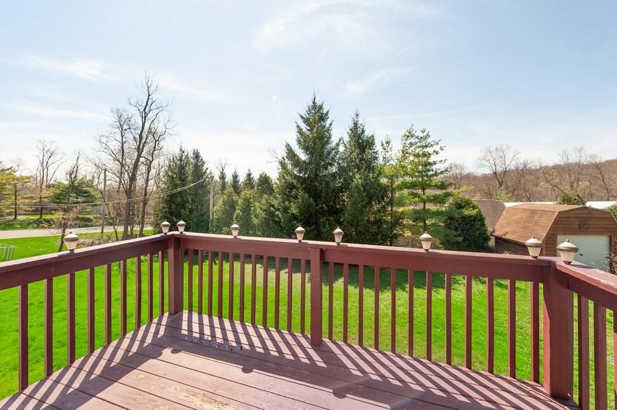 Real Estate Photography - 1107 Park Lane, Spring Grove, IL, 60081 - Deck