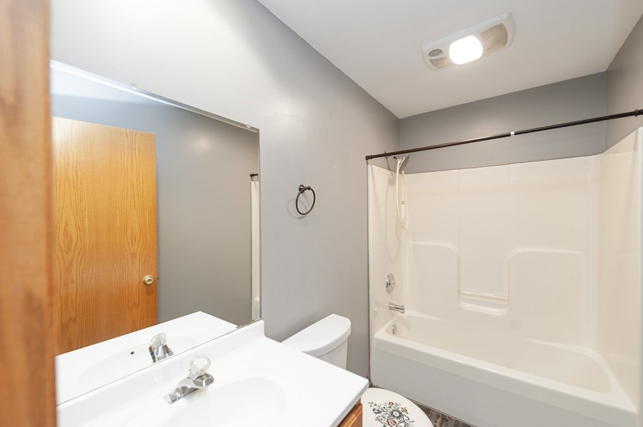 Real Estate Photography - 1107 Park Lane, Spring Grove, IL, 60081 - 2nd Bathroom