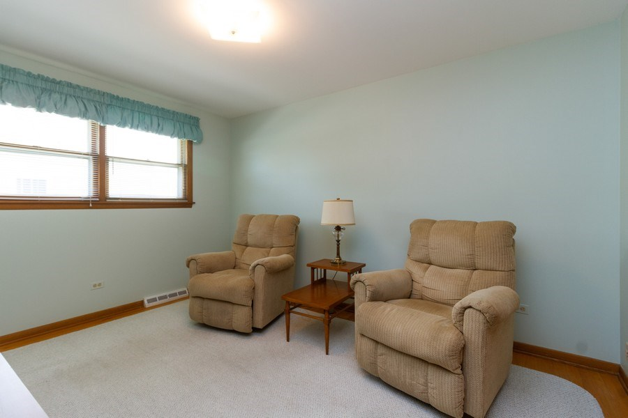 Real Estate Photography - 6241 W. 92nd Place, Oak Lawn, IL, 60453 - 2nd Bedroom